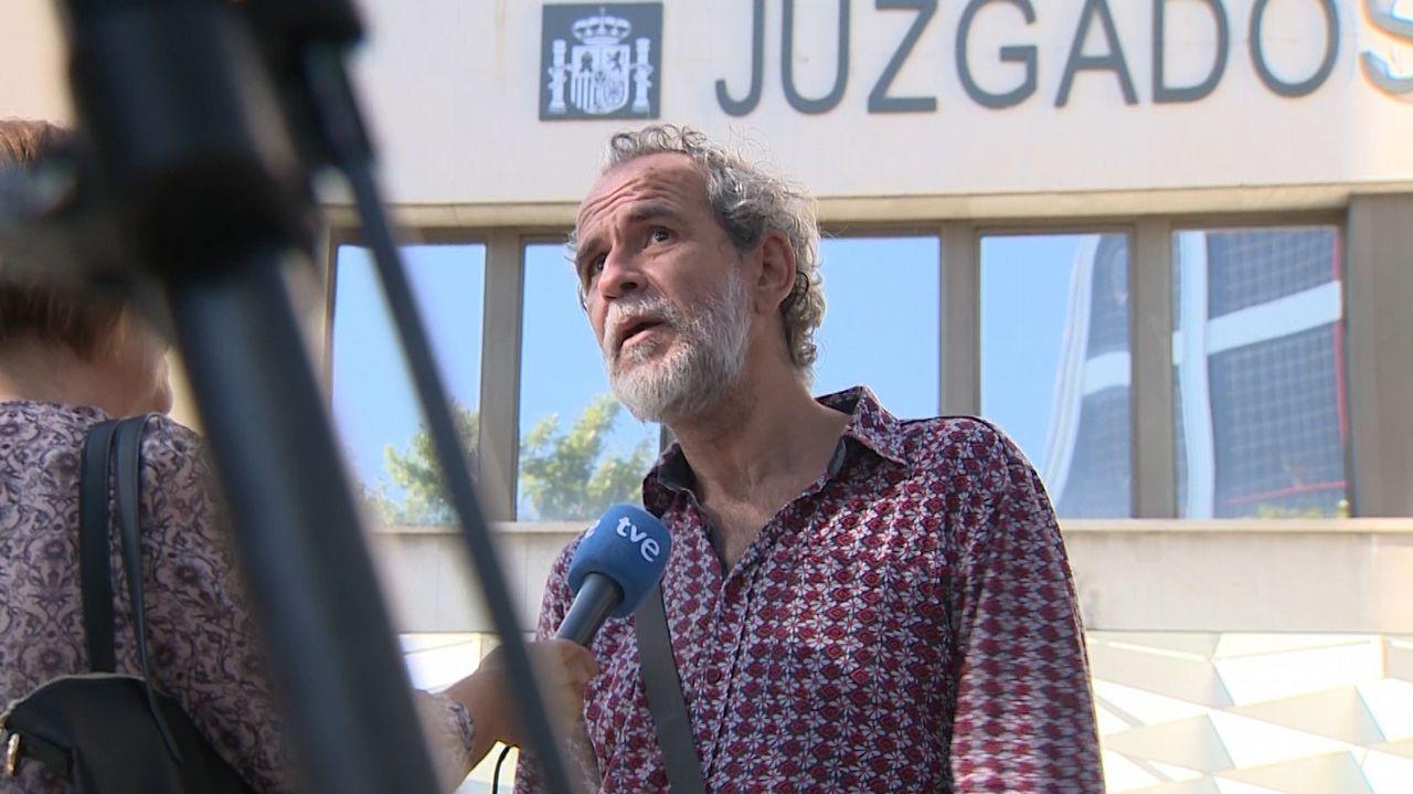 El polémico vídeo del alcalde de Cangas de Onís sobre los ataques de lobos.Pablo González y Mariano Marín
