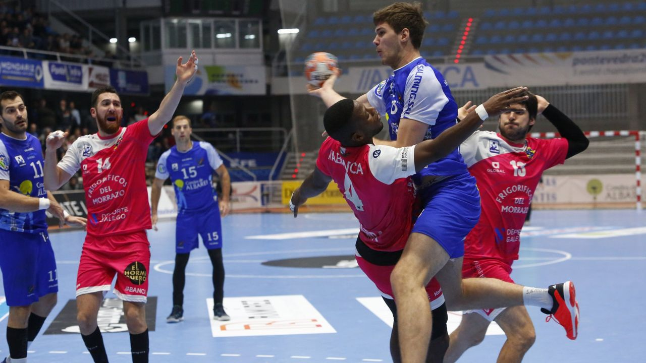 Las imágenes del balonmano Teucro - San Adriá