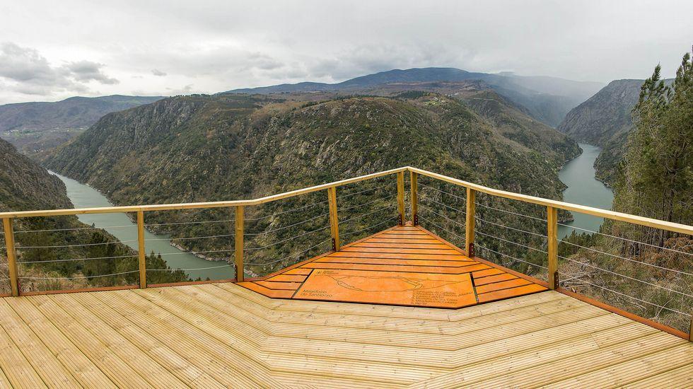 Una vista del cañón del Sil desde el mirador de Santiorxo
