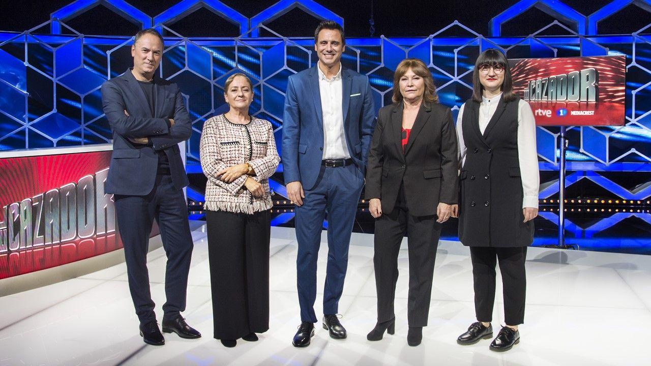 La defensa al mundo del toro de Estrella Morente en «OT 2020».El líder de Vox, Santiago Abascal, durante la entrevista ofrecida en RTVE