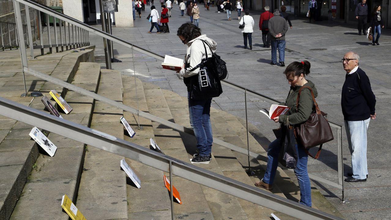 Uno de los libros «liberados» en el Muro, en una campaña anterior