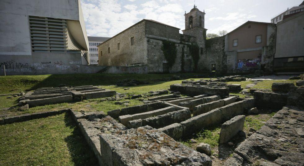 En los restos del convento de San Francisco está previsto dejar a la vista un pavimento de cantos rodados que tiene siete siglos.