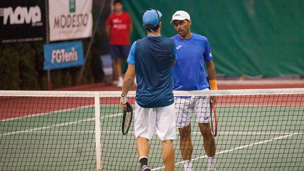 Las imágenes de la descalificación de Djokovic en el US Open.Un partido en las pistas del club fluvial de Lugo