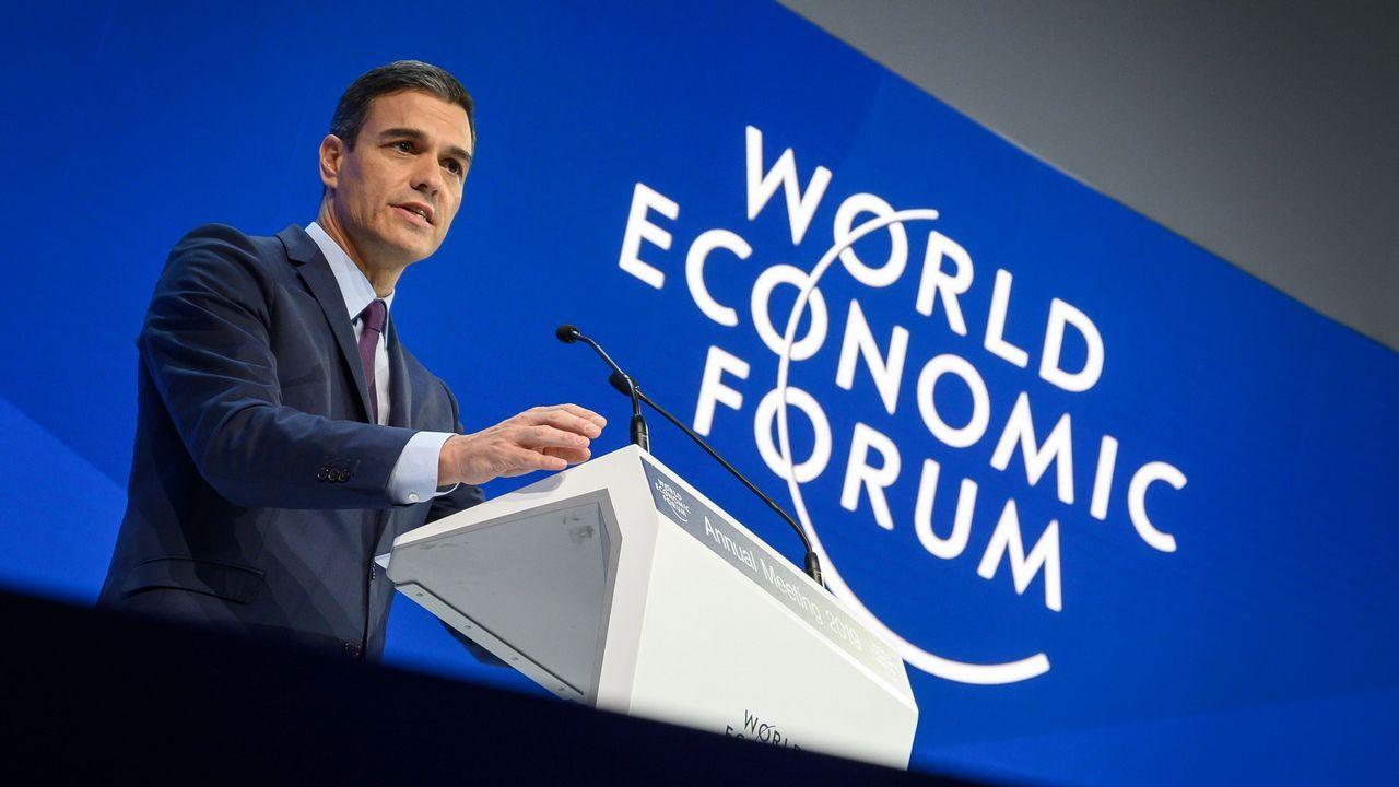 Sánchez rebajó la cifra de creación de empleo a 330.000 este año, frente a los 400.000 que citó el Ministerio de Trabajo en la presentacón de los Presupuestos.