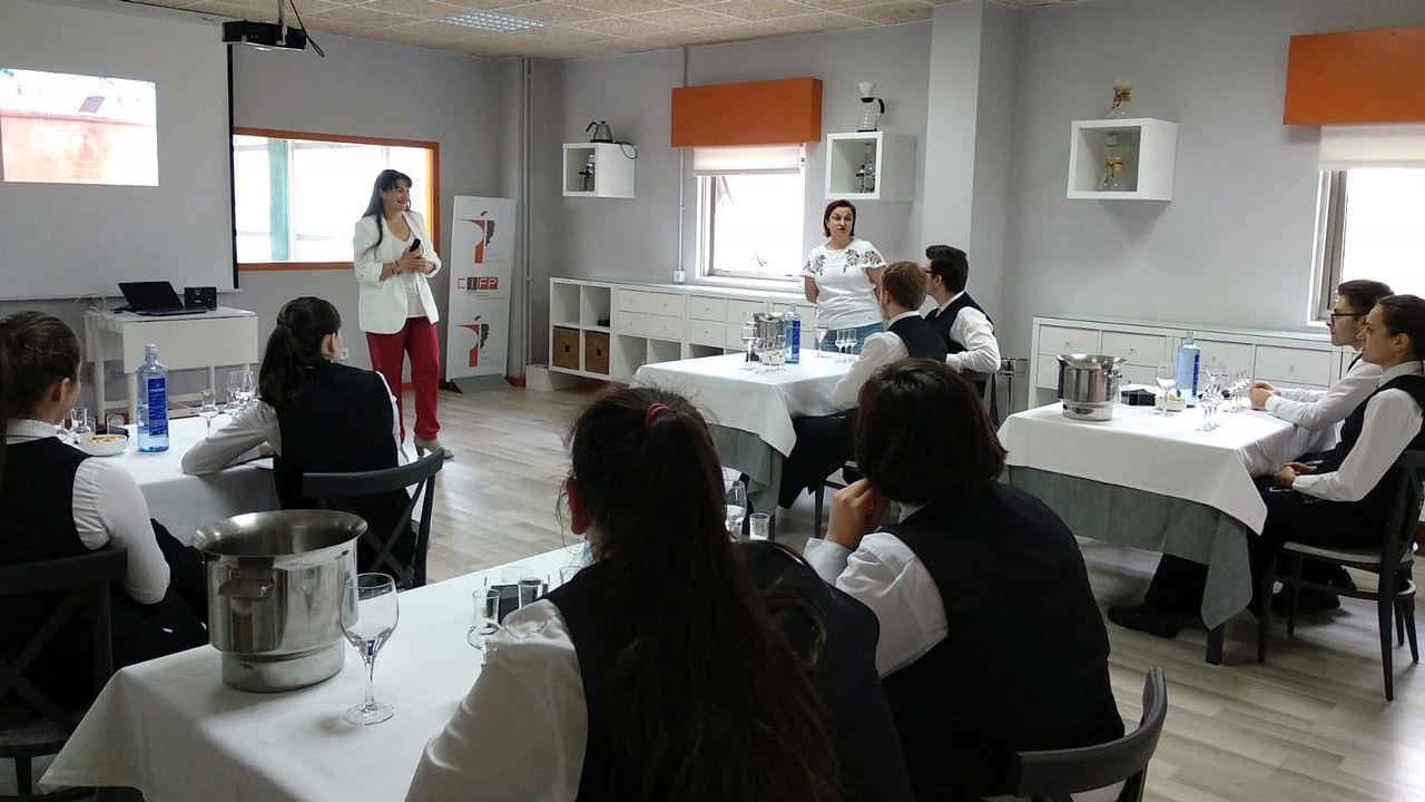 Las imágenes del 26M en Ferrol, Eume y Ortegal.El alcalde de Carballo, Evencio Ferrero