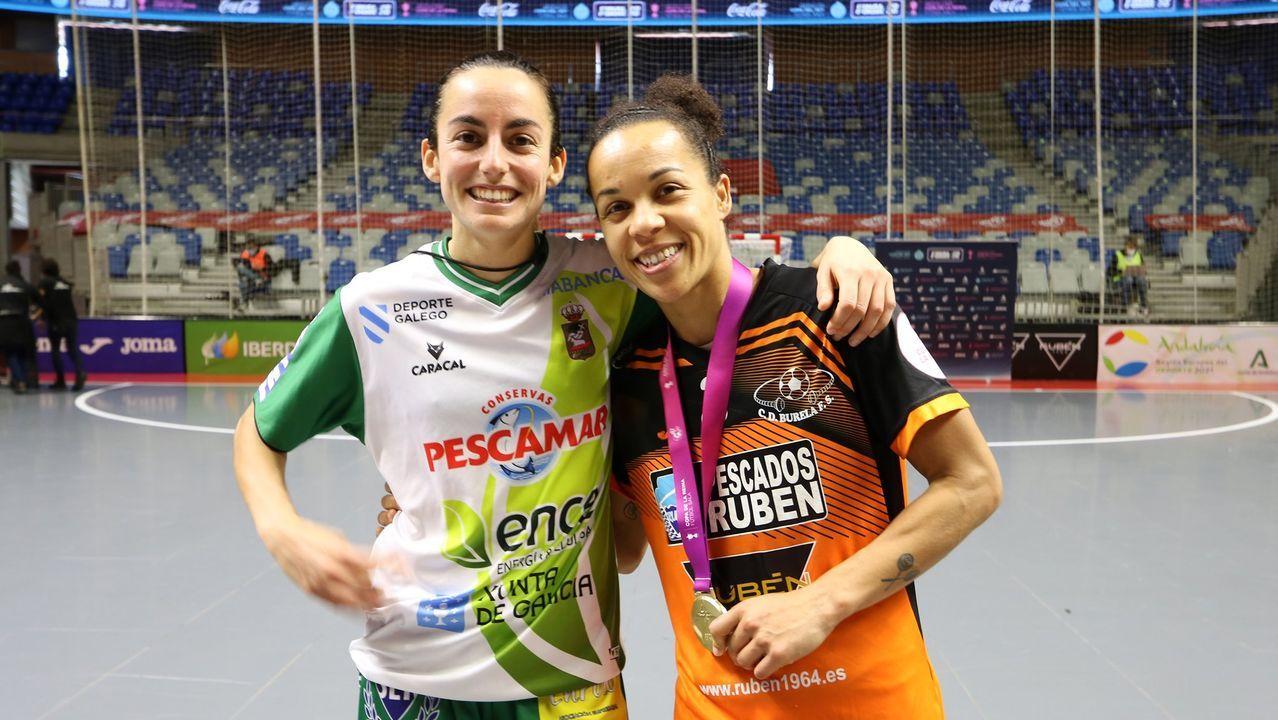 Luci jugó con el Burela los tres primeros partidos de esta Copa de la Reina en cuya final se enfrentó a excompañeras como Dany, en la imagen