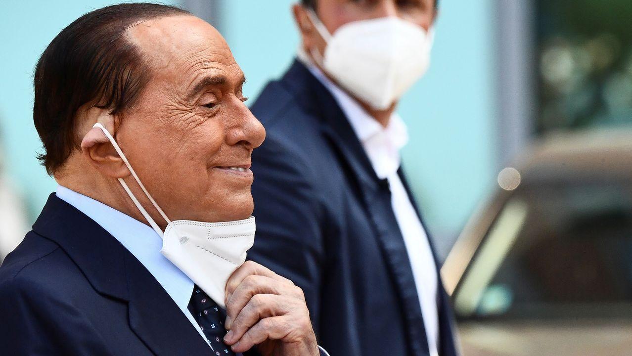 Berlusconi, a su salida este lunes del hospital San Raffaele