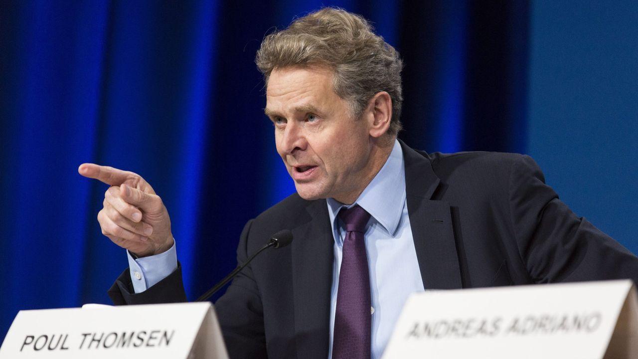 El FMI prevé que la deuda pública española se dispare hasta el 113,4%.La canciller alemana, Angela Merkel, conversa con Sánchez y el lídes holandés, Mark Rutte