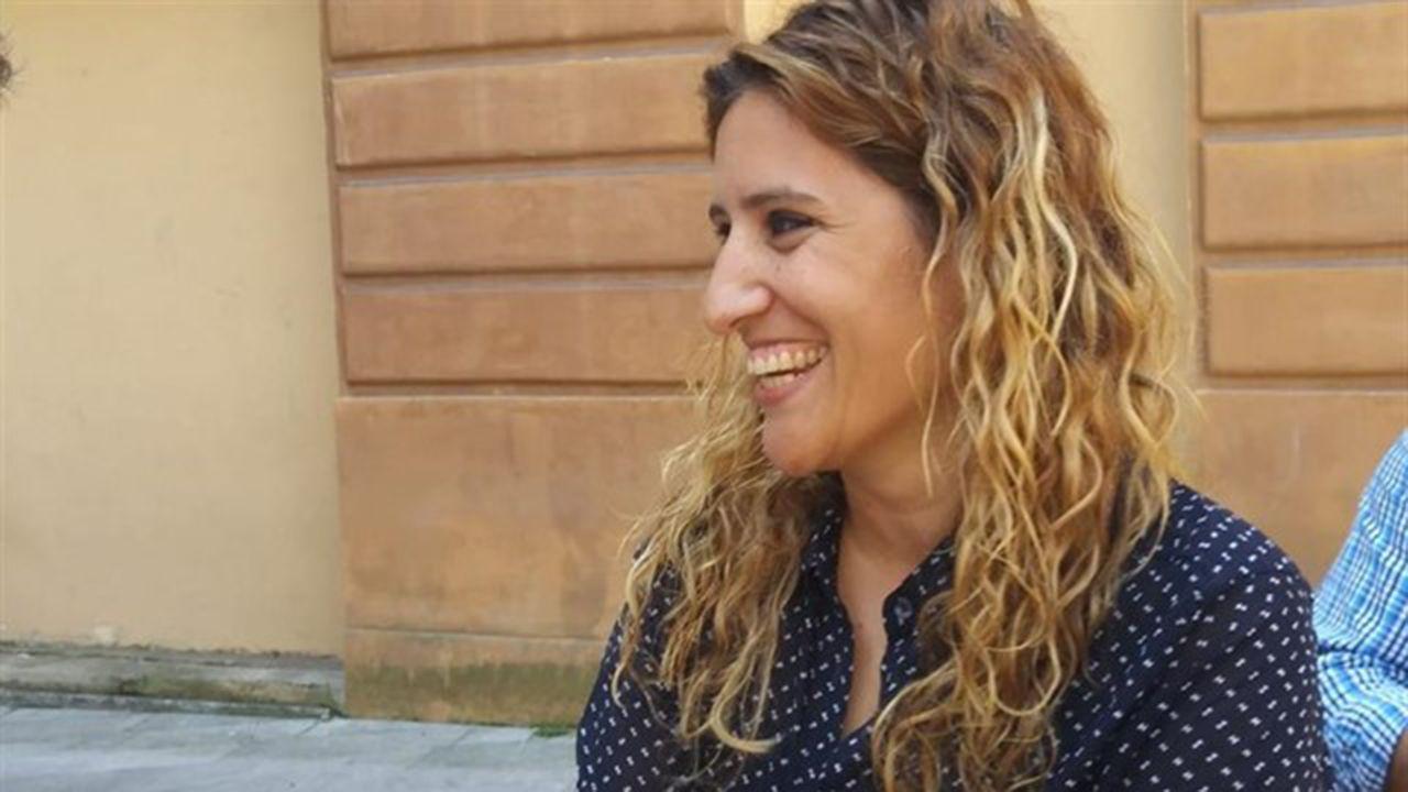 Fátima nos enseña defensa personal.Anabel Santiago, concejal de Somos