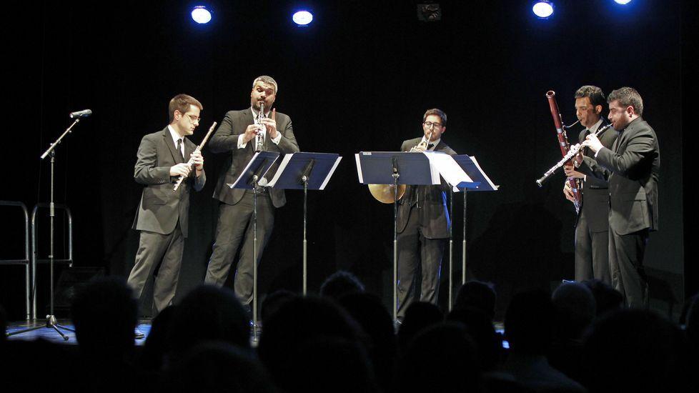 Emoticono sidra.El Quinteto Zoar está presentando el disco en distintas ciudades gallegas