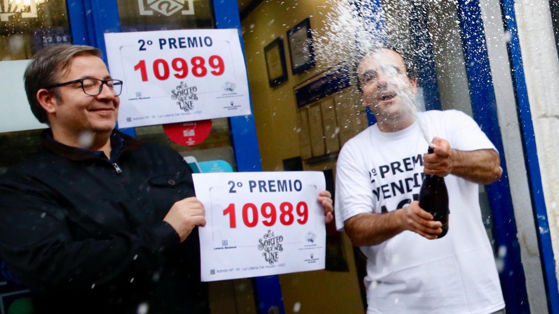 La lotería del Niño deja un pellizco en Nigrán.Eduardo Pahino, en el tramo de la calle Travesía de Vigo en la que se organizó la manifestación. La bala que mató al obrero de Fenosa, y dirigida a él, salió de una de las muchas ventanas que Pahino tiene a su espalda
