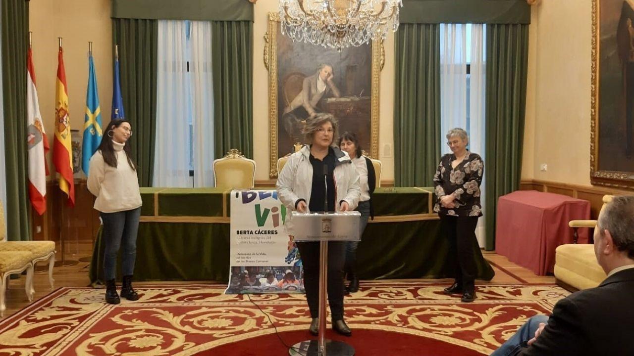 Acto homenaje en el Ayuntamiento de Gijón en el cuarto aniversario del asesinato de Berta Cáceres, defensora de los derechos de los pueblos indígenas