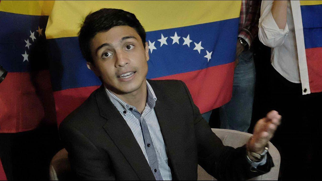El activista opositor Lorent Gómez Saleh ha llegado a España acompañado del secretario de Estado para Iberoamérica, Juan Pablo de Laiglesia