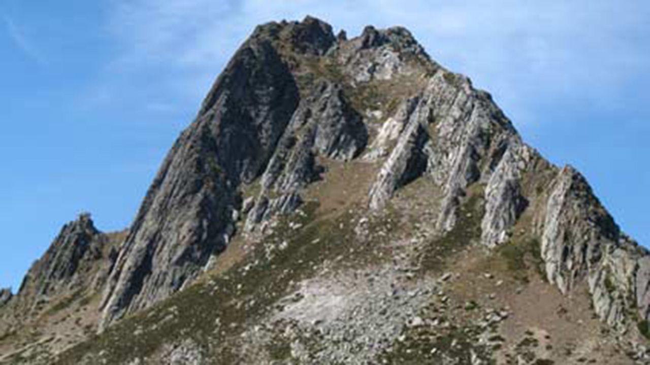 Pico Torres, Aller