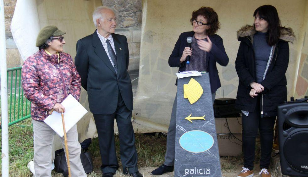 Asunción Arias, Ramón García, Sonia Rodríguez y María G. Albert, en el acto de ayer.