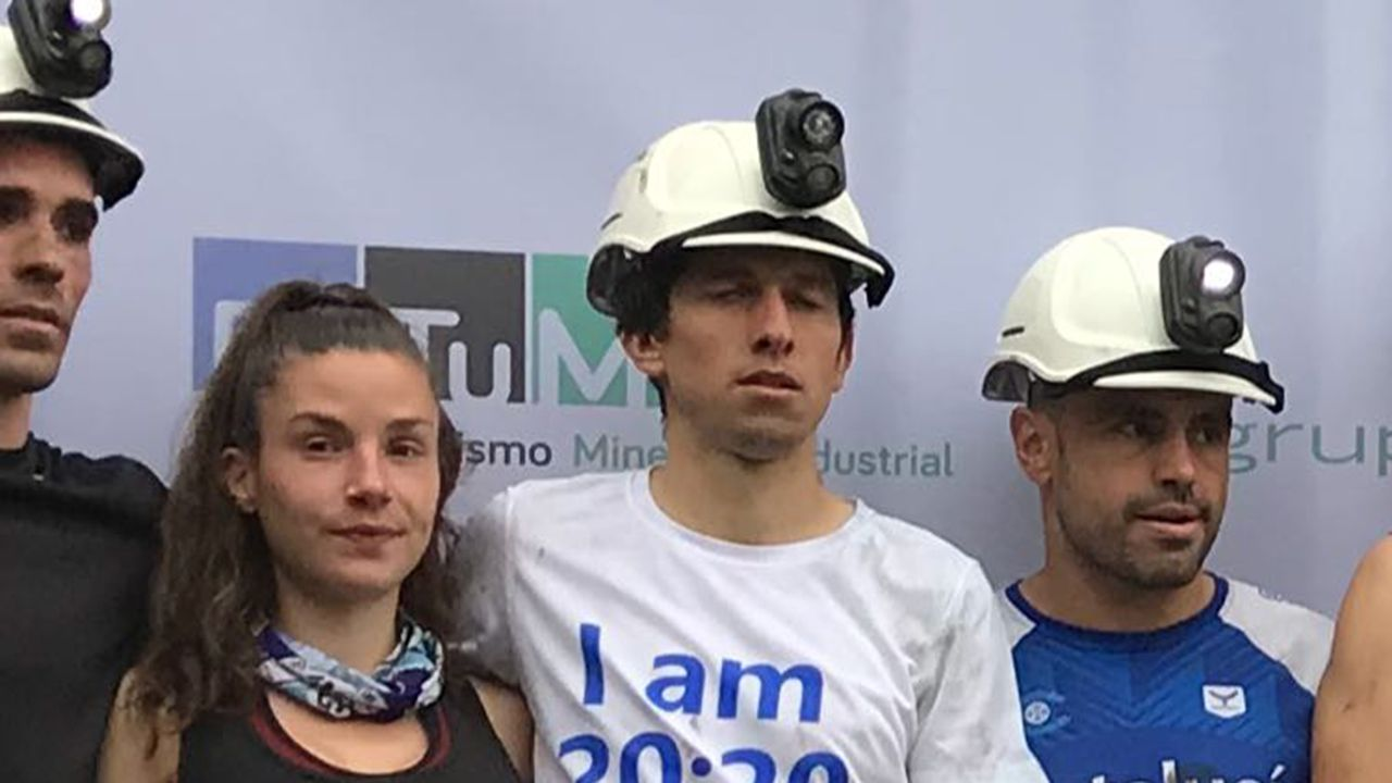 En el centro Manuel Merillas, ganador de la edición «zero» del Trail del Pozo Sotón