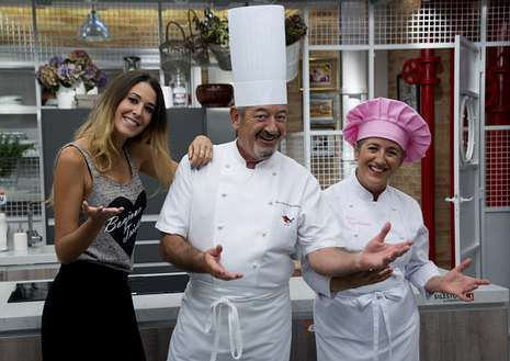 El papa y Letizia Ortiz, juntos en Roma.Ainhoa Sánchez, con Karlos Arguiñano y Eva Arguiñano.
