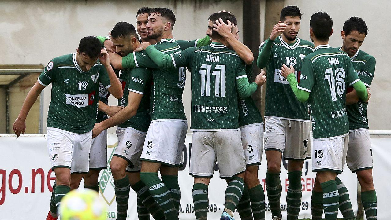 Fernando Vázquez: «Si haces una cagada así, la gente no confía en ti».Riki, durante el Real Oviedo-Sporting