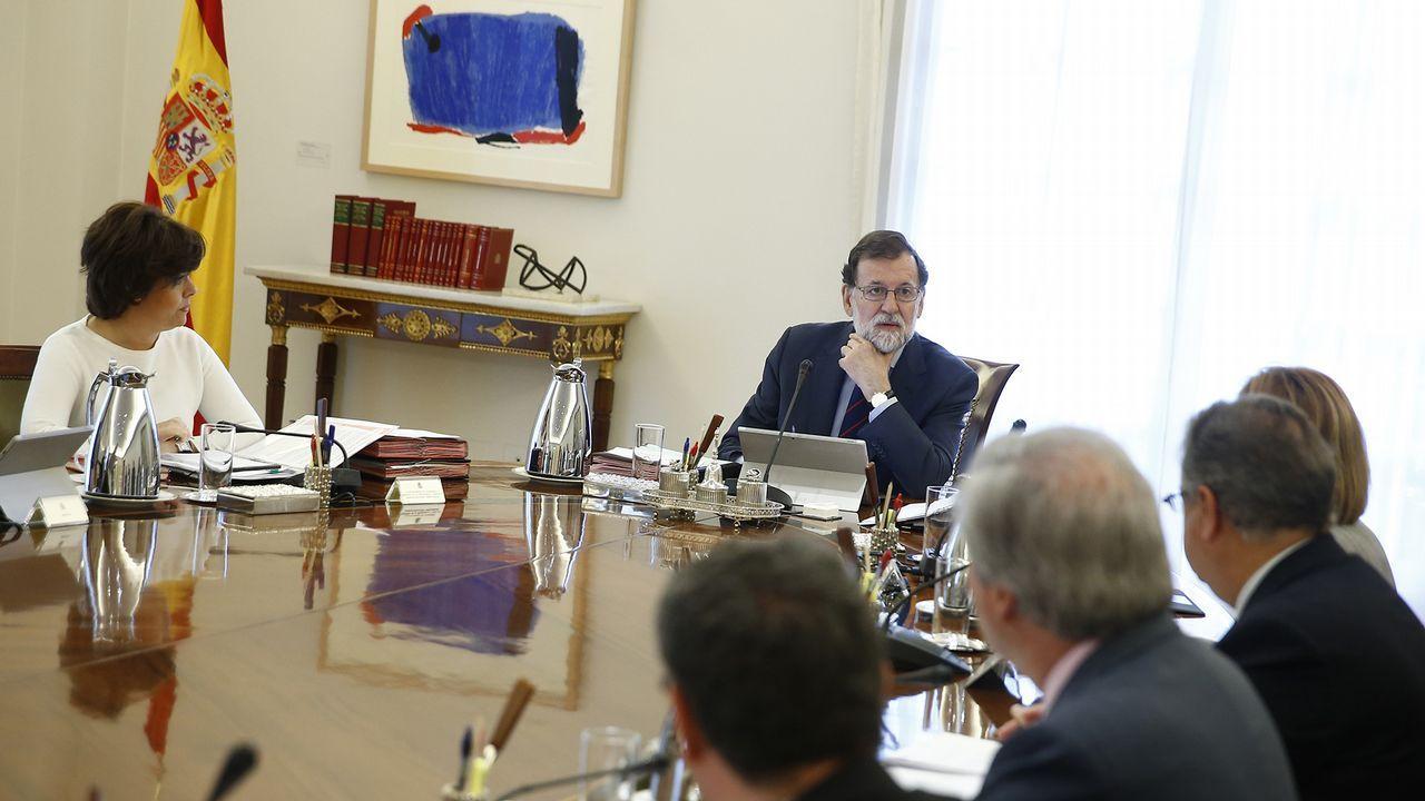 La CUP anuncia una abstención que permitirá a Quim Torra ser elegido presidente de la Generalitat.Alberto Núñez Feijóo participó en Santiago en un acto de entrega de certificados de experiencia profesional