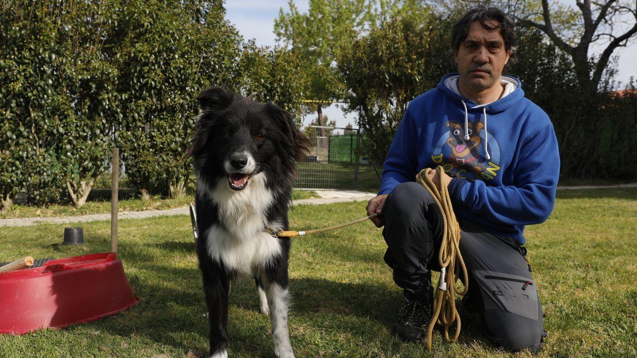 Miguel Ángel es responsable de la residencia canina DOC Can, en Esgos