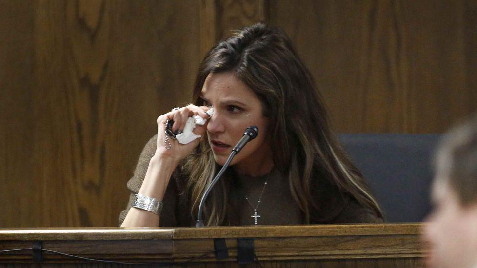 Taya Kyle, esposa del soldado asesinado, durante su testimonio ante el jurado