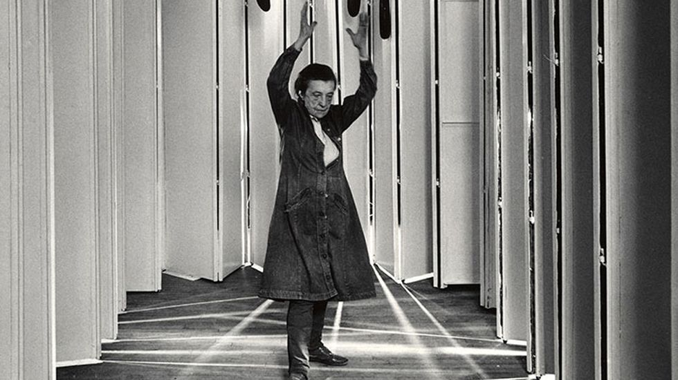 Louise Bourgeois , fotografiada por Peter Bellamy en 1986