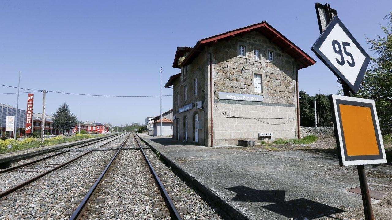 Estación de A Pobra de San Xiao, una de las que se cerraron en septiembre de 1999