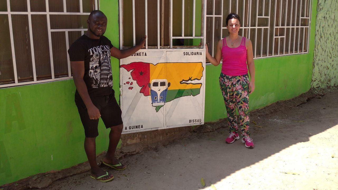 Ambiente de terrazas en Lugo en la fase 1.Natalia Rodriguez Arias y Djarga Samatisu