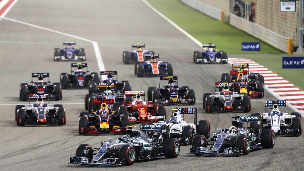 Fernando Alonso rueda en el circuito de Montecarlo.Fernando Alonso rueda en el circuito de Montecarlo