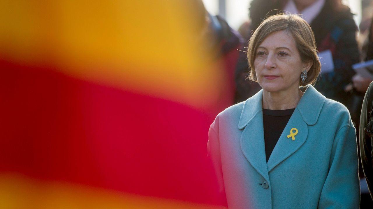 Forcadell pide al rey que «se respeten las decisiones de los catalanes que se expresaron en las urnas».El presidente del Gobierno, Pedro Sánchez, al comienzo de la entrevista que concedió a TVE el 18 de junio
