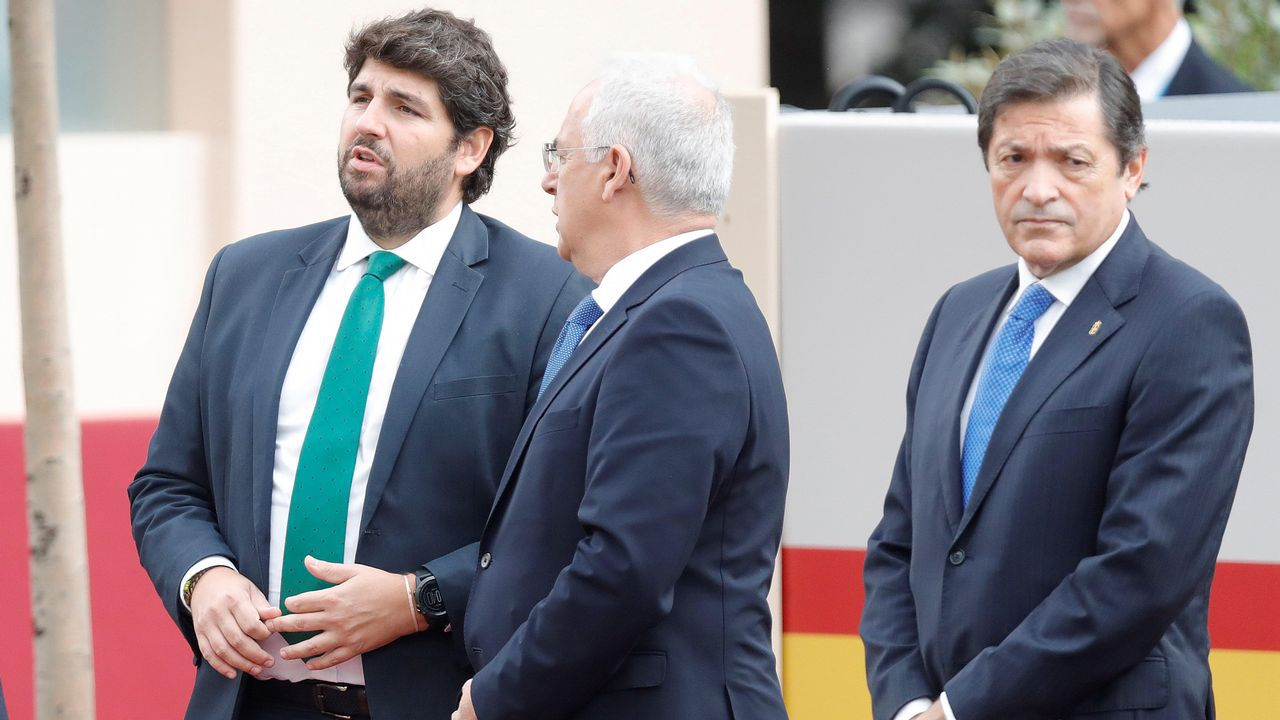 Desfile del Dia de la Fiesta Nacional: Fernando López Miras, José Ignacio Cenicero y Javer Fernández