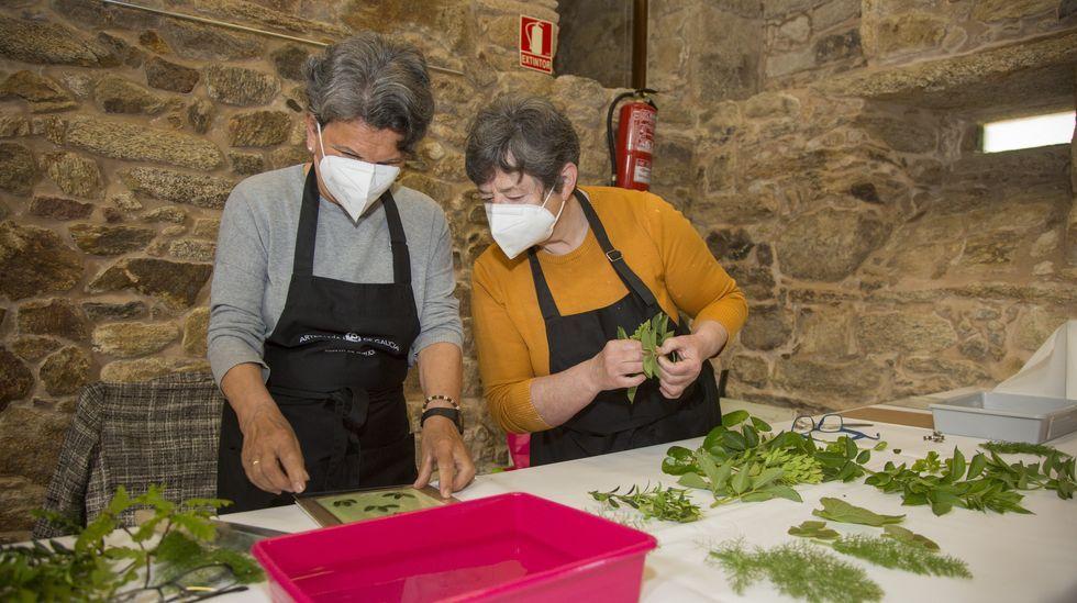Obradoiro por los Días Europeos da Artesanía, ayer, en O Couto