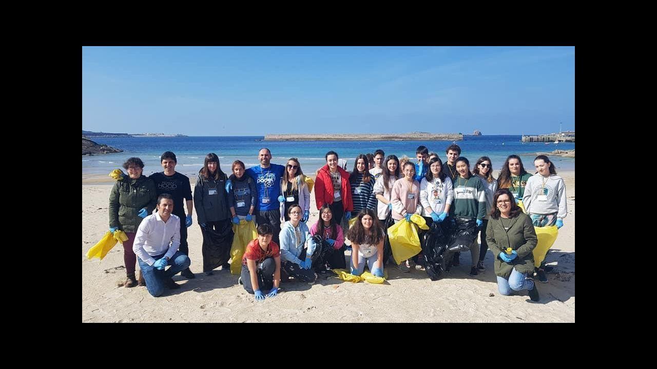 Limpieza de la playa de A Limosa