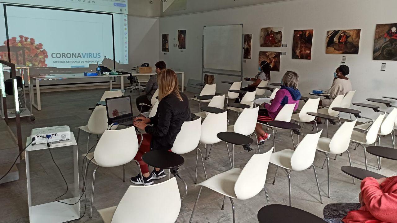 Curso impartido por Bumei en un aula cedida por Terras de Miranda, en Mondoñedo, que también incluye formación sobre medidas de prevención de covid-19