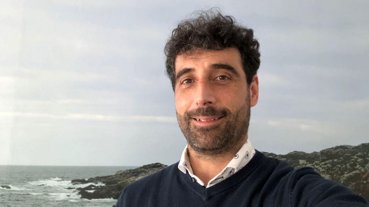 Juan Carlos Permuy lleva cinco años impartiendo talleres sobre adicciones en centros educativos.