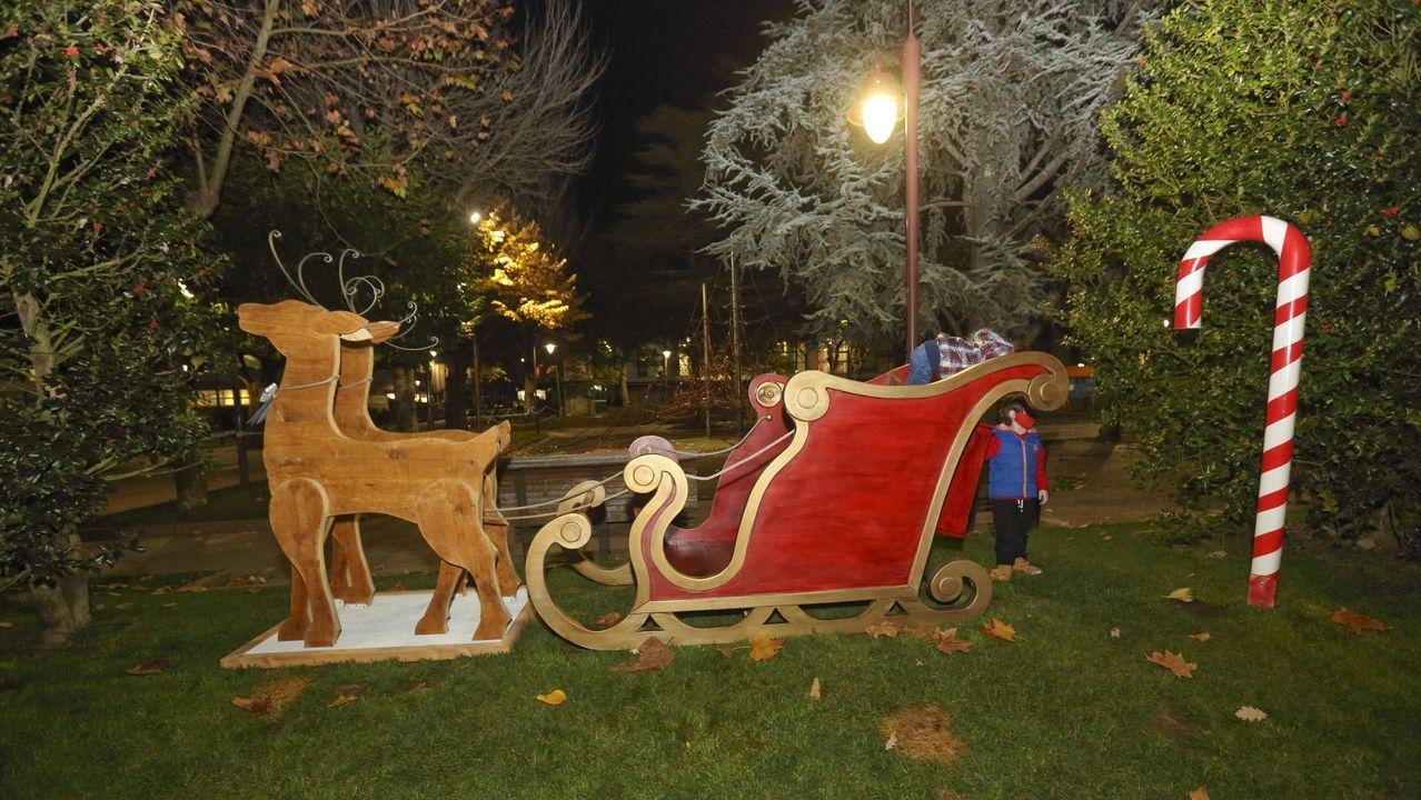 La provincia se ilumina por Navidad.Cabalgata de Reyes en Ourense de las últimas fiestas