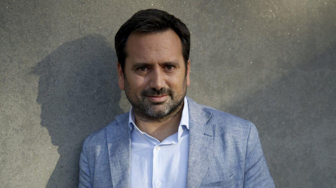 Teléfono móvil.El neuropsicólogo Álvaro Bilbao