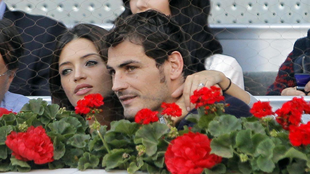 Zinchenko emula a Iker Casillas y besa a la reportera que lo entrevistaba.Sara Carbonero, durante una presentación que tuvo lugar en junio en Madrid