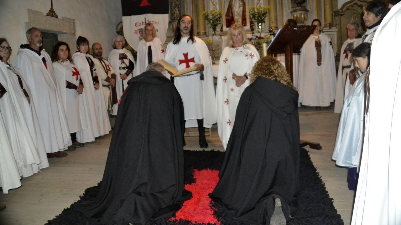 Las fotos de la cuartaAndaina de estudiantes en el Camino de Invierno.Un momento del ritual de ordenación de «Guntrodo de Canaval» y «Asunción del Condado de Lemos»