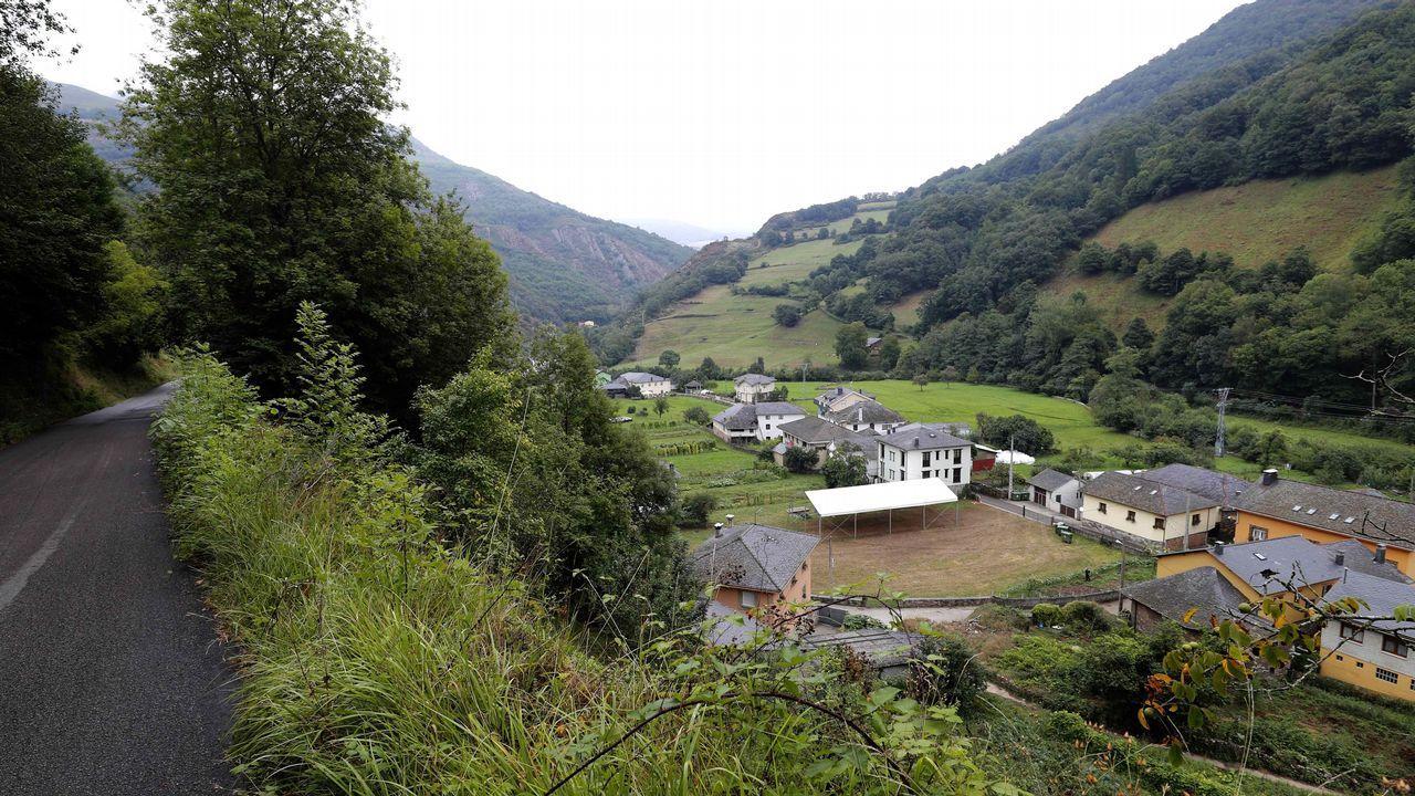 La pequeña localidad de Mual, perteneciente al concejo de Cangas del Narcea, en el suroccidente asturiano