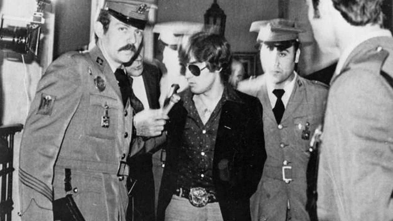El autor del robo de la Cámara Santa, antes de entrar al juicio en Oviedo, en el año 1978
