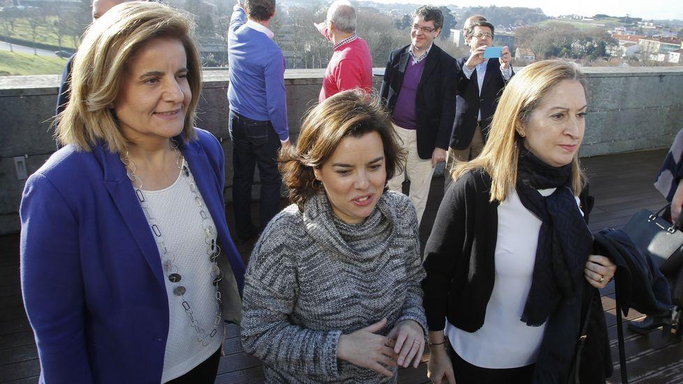 Sáenz de Santamaría: «El PP es un partido que vertebra, que se hace de abajo a arriba».José María Aznar