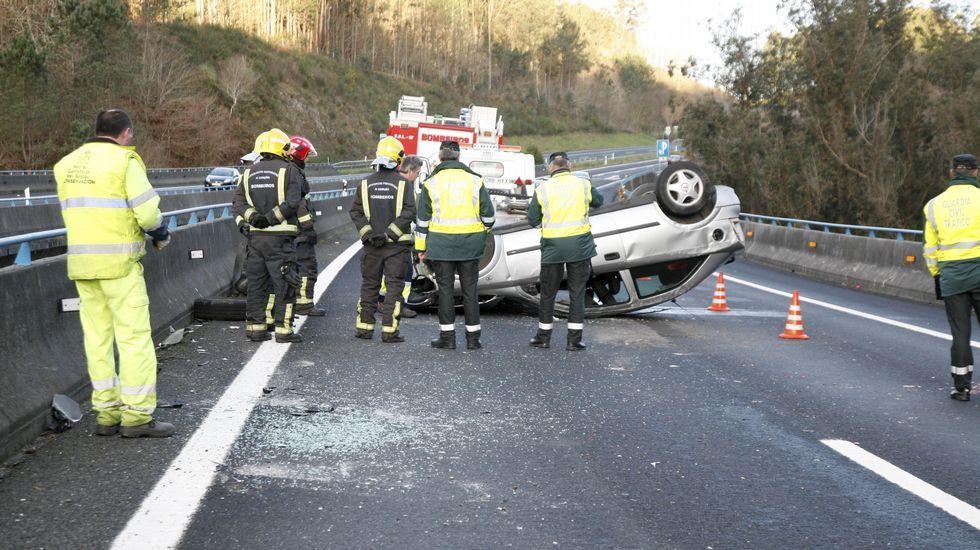 Arranca el rali de A Coruña.ACCIDENTE EN LA A6 COIROS