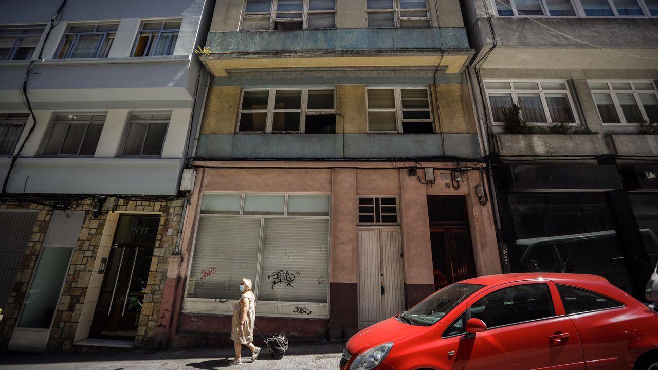 El edificio okupado en la calle Doctor Fleming de A Coruña