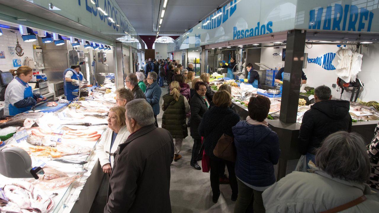 La Praza de Abastos y el Mercado de Lugo este mediodía