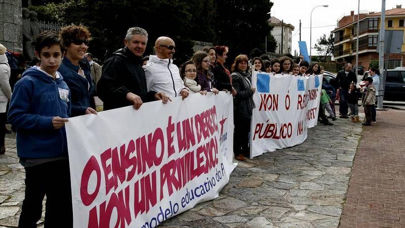 La marcha tuvo un carácter festivo, con composición propia incluida de Pepe Sendón, contra la nueva ley educativa.