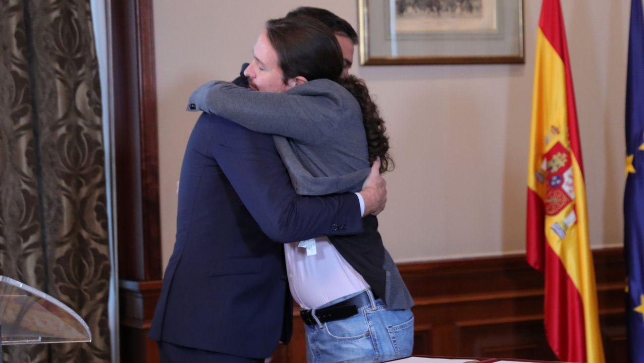 La exmujer del Chicle, Rosario Rodríguez, llegó a los juzgados santiagueses acompañada de su hermana Elena y su cuñado Adrián Castroagudín