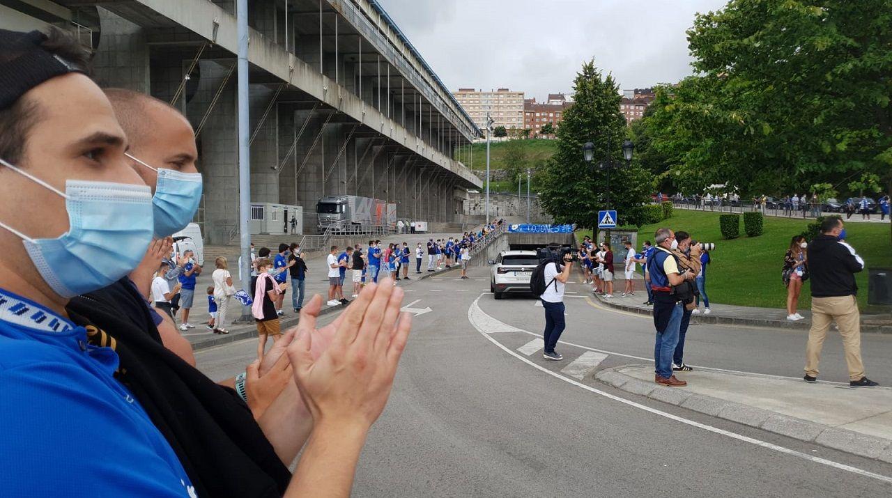 Cuco Ziganda Real Oviedo Mirandes Carlos Tartiere.Aficionados del Real Oviedo en el Carlos Tartiere