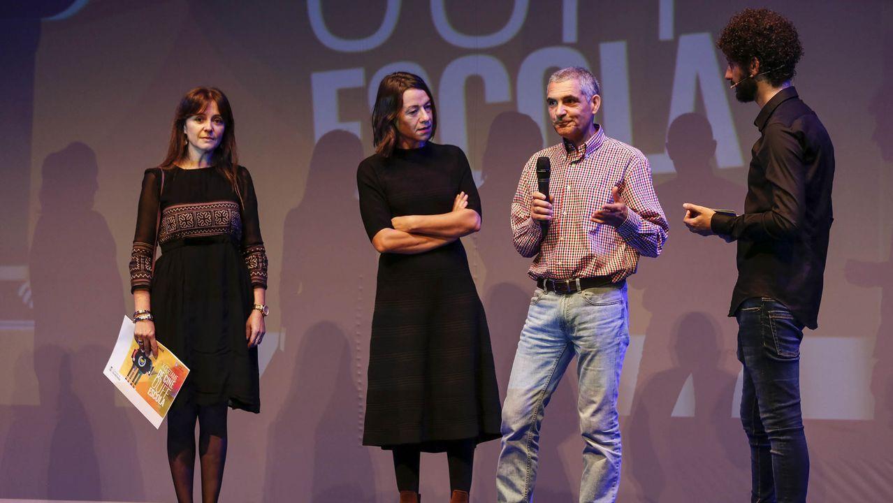 Alumnos del IES Man do Monte recogen el premio por  Pulso