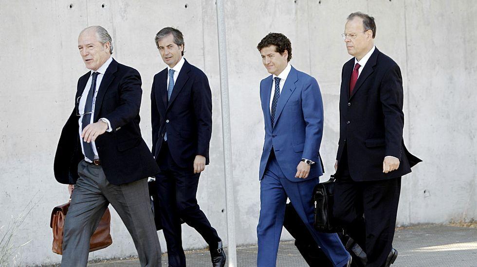 Gregorio Gorriarán, la izquierda y José Luis Pego, a la derecha